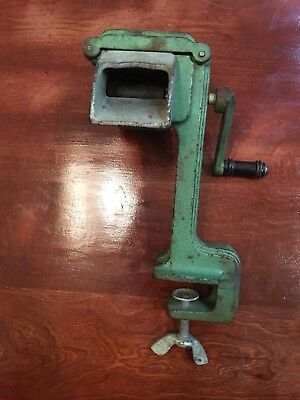 Vintage Antique Green Cast iron Hand Crank Ravioli Pasta Maker
