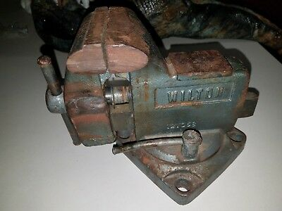 "Wilton Bench Vise Swivel Base 3-1/2"" Jaw Width 3"" Opening Model 121068 Pipe Jaws"