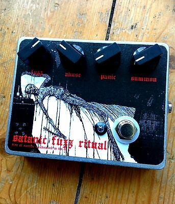 SATANIC FUZZ RITUAL Fuzz Pedal - Nine of Swords Effects. Handcrafted in the UK.