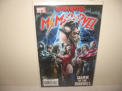 """MS. MARVEL #44 '09 -rare- AUTO by """"BRIAN REED"""" #18/30  Dark Reign only 30 made!"""