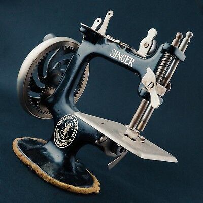 Antique Mini Singer Sewing Machine, MODEL 20, As Acquired, NO RESERVE!