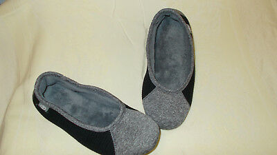 Ladies Isotoner Black & Grey Ballerina Style Slippers Medium 6.5-7.5 EUC