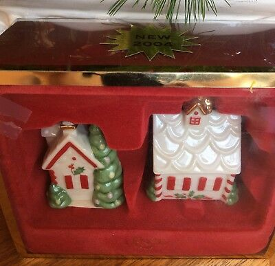 NIB Lenox Holiday Gingerbread Houses Salt and Pepper Shakers Fast Shipping