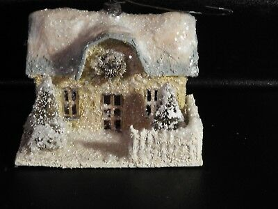 Bethany Lowe Christmas Snow House Ornament, hanging, vintage 2 evergreens wreath