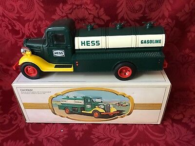 """1982/83 Hess """"the First Hess Truck"""" New In Box With Repaired Bottom-See Photo"""