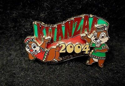 Disney DLR LE       Kwanzaa 2004 Chip & Dale Pin