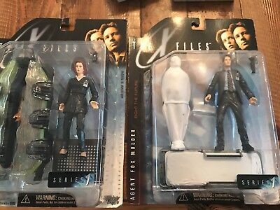 1998 McFarlane Agents Scully and Mulder XFiles Action Figures NIB Series 1