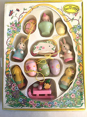 VINTAGE MINIATURE WOOD EASTER ORNAMENTS     Super Cute!  NIB!  HAND MADE.
