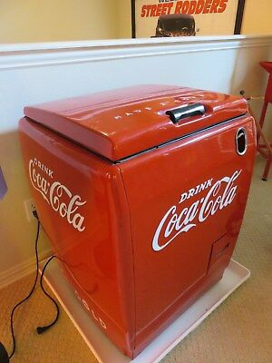 "1940 Westinghouse WD-5 "" Coca Cola "" Cooler Coke Machine... WORKS !!"