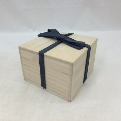 A617: Japanese wooden storage box for tea bowl made from KIRI. SHIHO-SAN