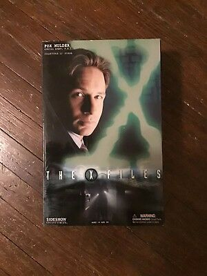 "Sideshow Collectibles Fox Mulder 12"" Figure"