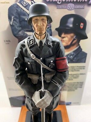 1/6th CS00201 COLLECTORS SHOWCASE - ALLGEMEINE GUARD - DRESS UNIFORM - VERY RARE