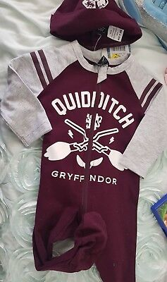 Harry Potter Baby QUIDITCH Gryffndor Jumpsuit & cap Size 000 NEW