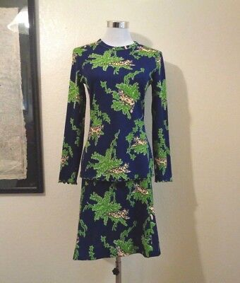 70s KELLY ARDEN BLUE W/JUNGLE LEAVES & LEOPARDS CURLED EDGES KNIT TOP/SKIRT SET