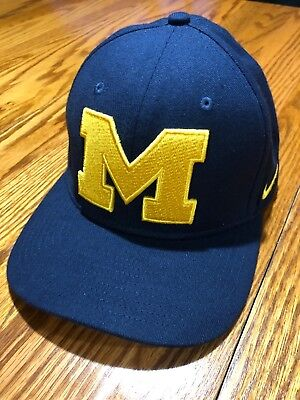 443bae24c57 Michigan Wolverines Nike Classic 99 Stretch Fit Fitted Cap Hat NEW WITHOUT  TAG