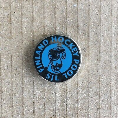 Finland Hockey Pool Pin Badge
