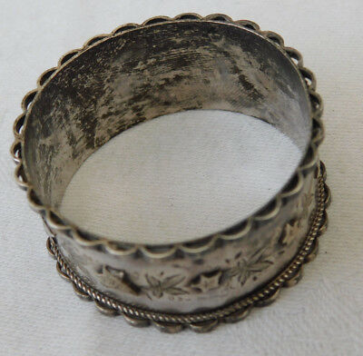 Very Unusual Quality Hallmarked Silver Ivy Decorated Napkin Ring