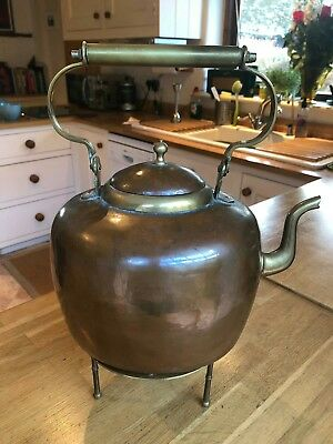 Large copper kettle and matching trivet - Fireplace, gas hob or Aga accessory