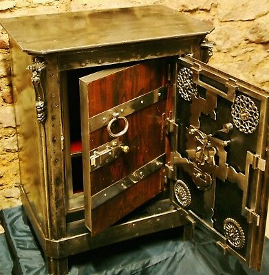 Antiker Tresor. Unikat. Industrialer Geldschrank. antique safe. coffre fort