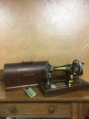 1931 Working Singer Hand Crank Sewing Machine - Very Good Condition