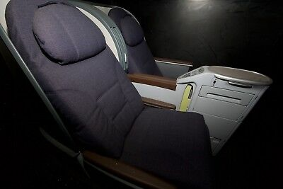 Display IPTE United Business Class Seats