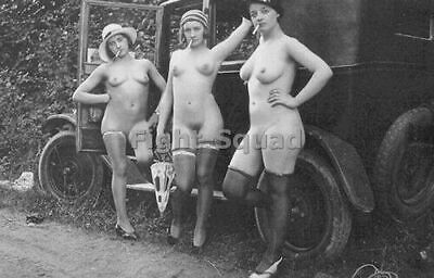 Picture Photo Photo Erotic antique vintage pinup 3 Girls With Car 2733
