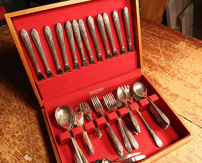 Beautiful Vintage National Silverplate Flatware set with silver chest