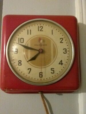 Vintage General Electric Retro Red Metal Kitchen Wall Clock 40s 50s Works
