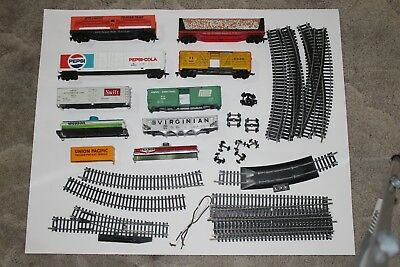 HO scale TYCO freight wagons, track and spare parts