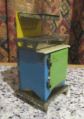 vintage / ANTIQUE * DOLLS HOUSE TIN PLATE COOKER -  approx 16th scale