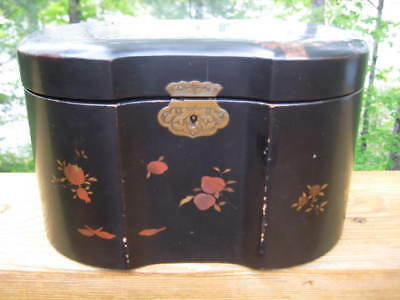 ANTIQUE JAPANESE / CHINESE BLACK LACQUER TEA CADDY MEIJI c 1870-1880