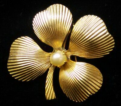 Vintage Coro Pegasus Gold Tone Faux Pearl Four Leaf Clover Brooch Pin