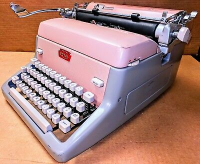 RARE Vintage 1959 Cameo Pink ROYAL Manual TYPEWRITER Model FPE Elite Edition