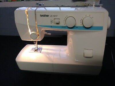BROTHER LS40 SEWING Machine Portible Light Weight Straight Zig Unique Sewing Machine Brother Ls 1217