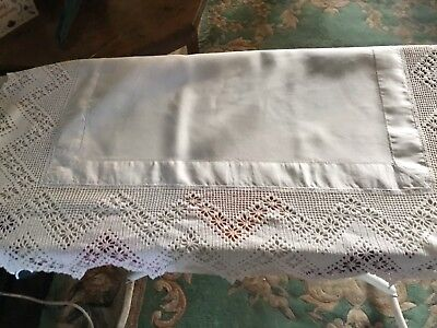 """Vintage White Linen Butlers Traycloth  Deep Hand Crocheted Edge 24""""x30"""""""