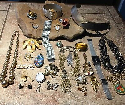 Terrific Mixed Vintage Jewelry Lot 25+ Thoughtful Gift Idea-Estate
