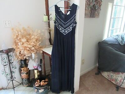 OSO Casuals Ladies Navy Blue Maxi w/White Embroidered Detail! Size S FREE SHIPPI