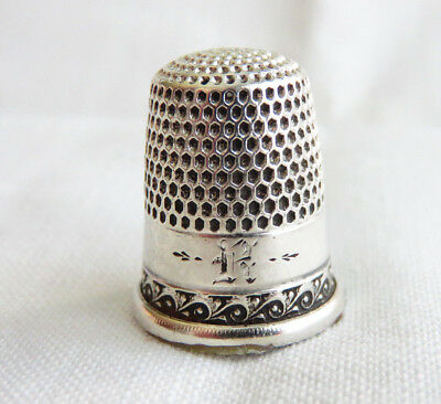 "Antique Simons Sterling Silver Sz. 9 Thimble Initial ""r"""