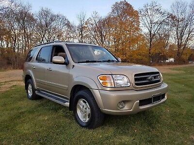 2004 Toyota Sequoia  2004 Toyota Sequoia 4WD, Excellent Cond.! Minor wear No rips or tears in seats