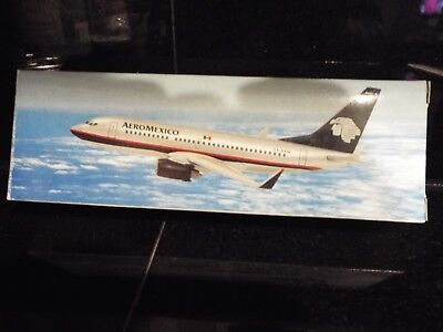 Boeing 737-700 AeroMexico Model Aircraft