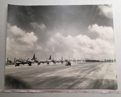 39th BOMB GROUP AWAITING STRIKE GUAM SUMMER OF 1945 PHOTOGRAPH VINTAGE MILITARY