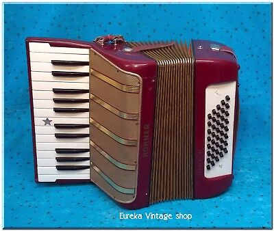 Hohner Vintage Accordion  Starlett 40