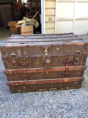 ANTIQUE  trunk/ chest flat top. GREAT COFFEE TABLE original has not been redone