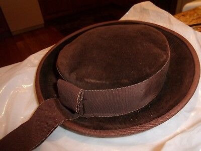 VINTAGE Young Girls Brown Velvet Hat With Hanging Ribbon