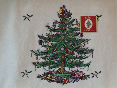 """2 Spode Christmas Tree Printed Bath Towels New with Tags 50"""" x 27"""" 100% Cotton"""