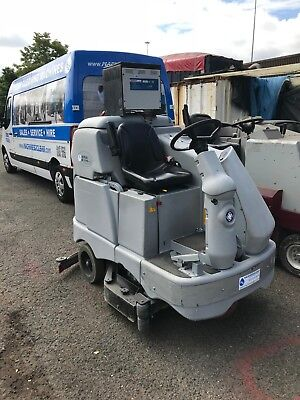 "40-42"" Ride-On Scrubber Dryer 1 WEEK RENTAL/HIRE SCOTLAND ONLY"