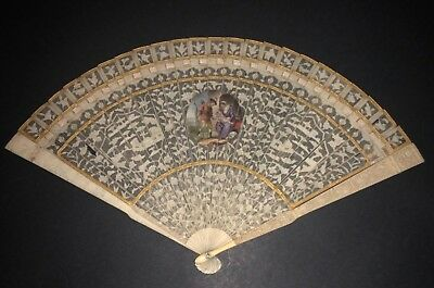 Superb Antique 18Th Chinese Filigree Carved Hand Painted Figural Scene Brise Fan