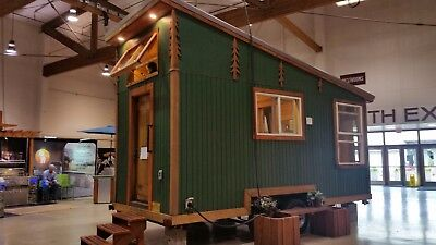 Tiny House Airbnb Luxury custom made investment property/office/studio/ Passive