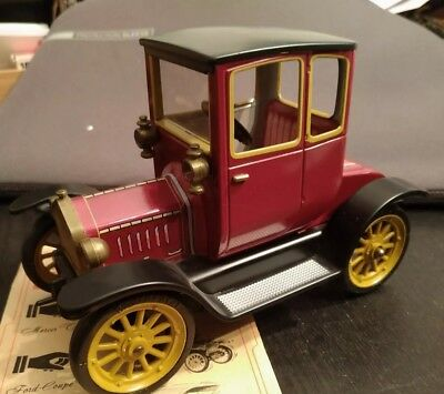 Schuco Ford Coupe T 1917 / Model 1227 Oldtimer / Vintage / Rot/Top Zustand