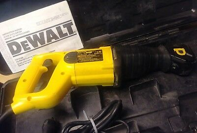 DeWalt DW303M Corded Electric Reciprocating Saw Sawzall w Case